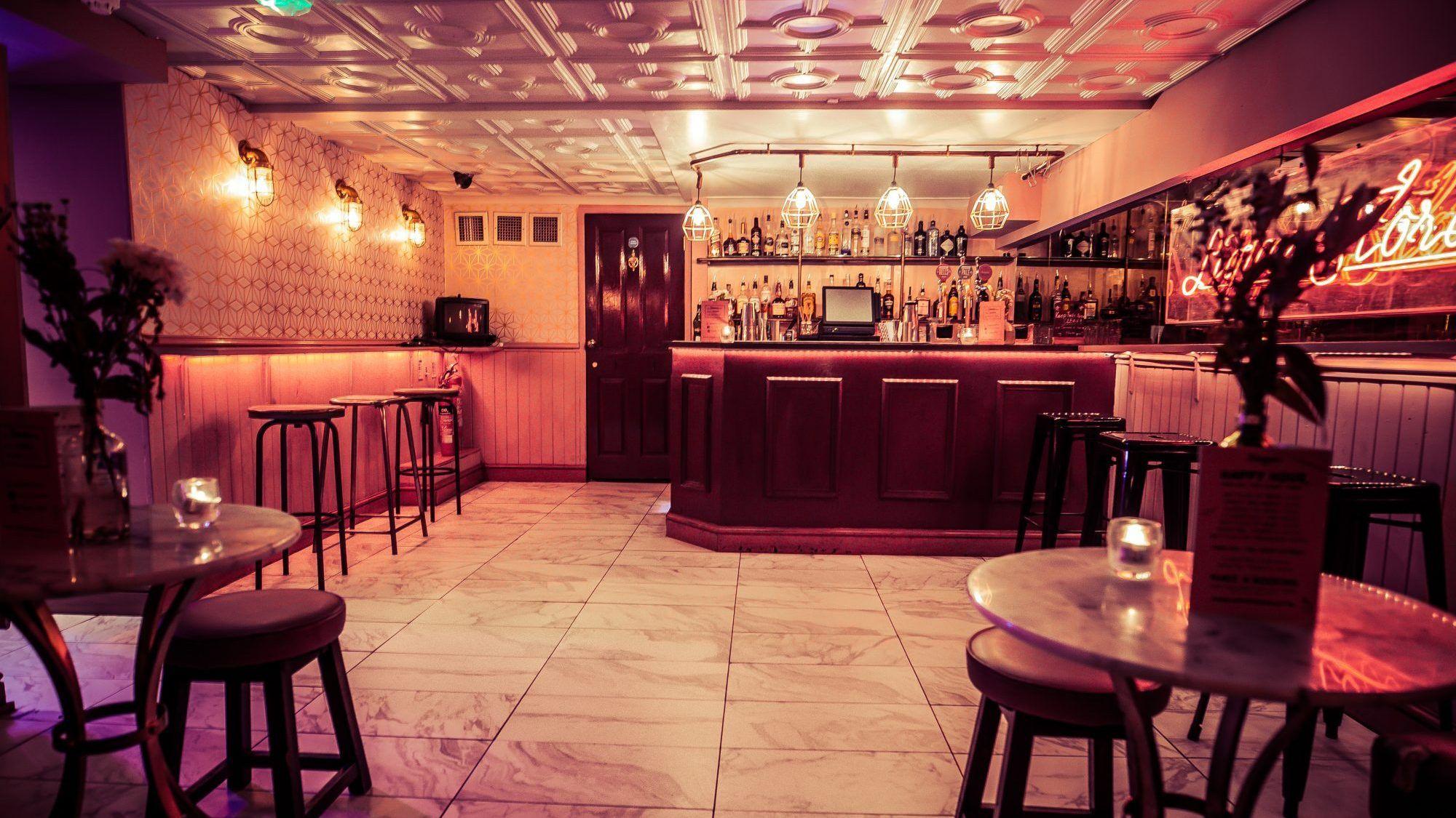 Simmons Bars - Liverpool Street